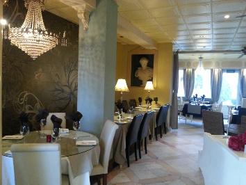 A Casa Do Largo Restaurante (in The Old Village)